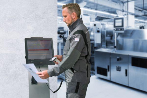 Die AVERO-Betriebsdatenerfassung zur schnellen und übersichtlichen Erfassung aller Daten an einen Industrie-PC.