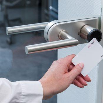 elektronische Zutrittskontrolle mit RFID Karte